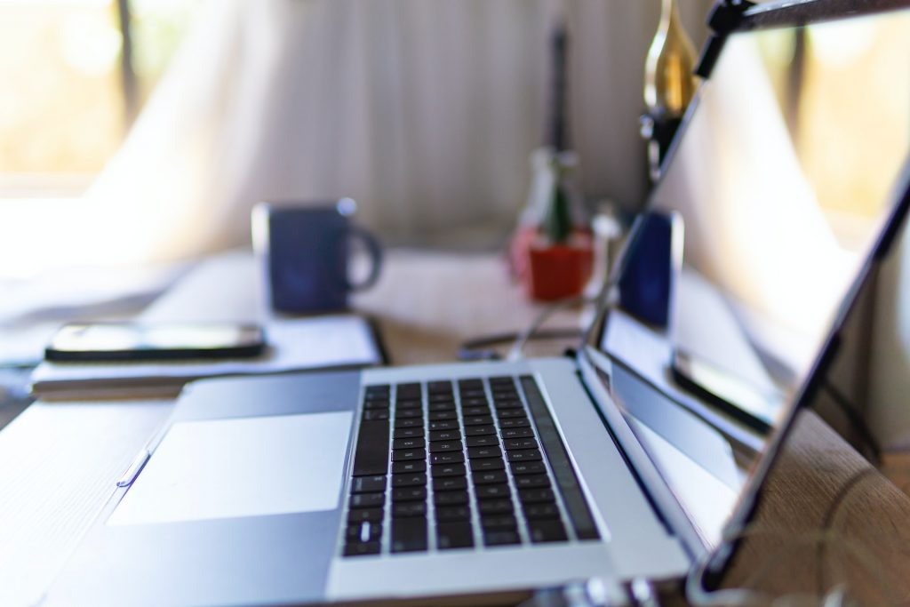 How to Keep Sunlight from Glaring on Your Laptop Screen